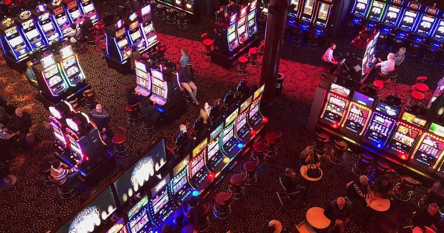 Κοινωνικά καζίνο εναντίον διαδικτυακών καζίνο