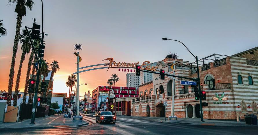 Το Greentube προσθέτει τις νυχτερίδες των αστυνομικών Vegas Nights στο δικό του Las Vegas Flair