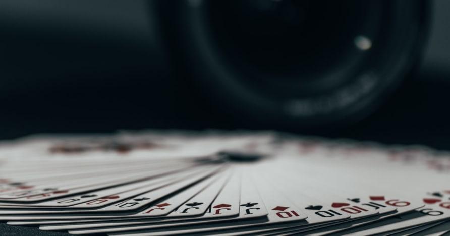 Σε απευθείας σύνδεση στρατηγική πόκερ βίντεο που λειτουργεί πραγματικά